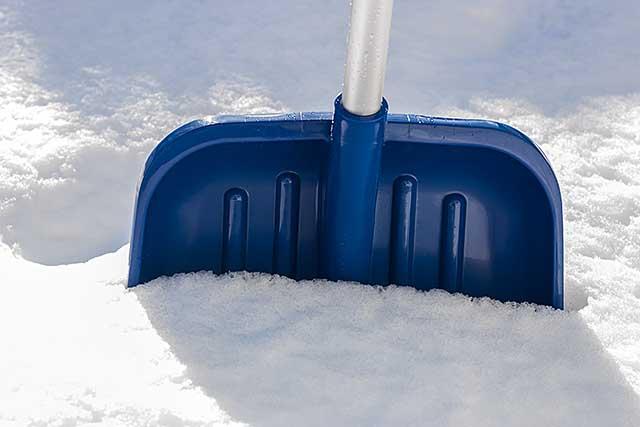 snowshoveling2