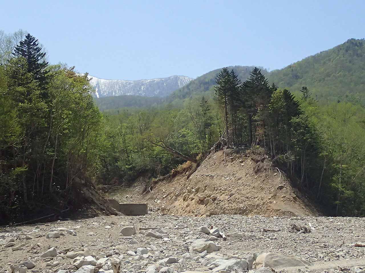 戸蔦別川 砂防ダム 崩壊