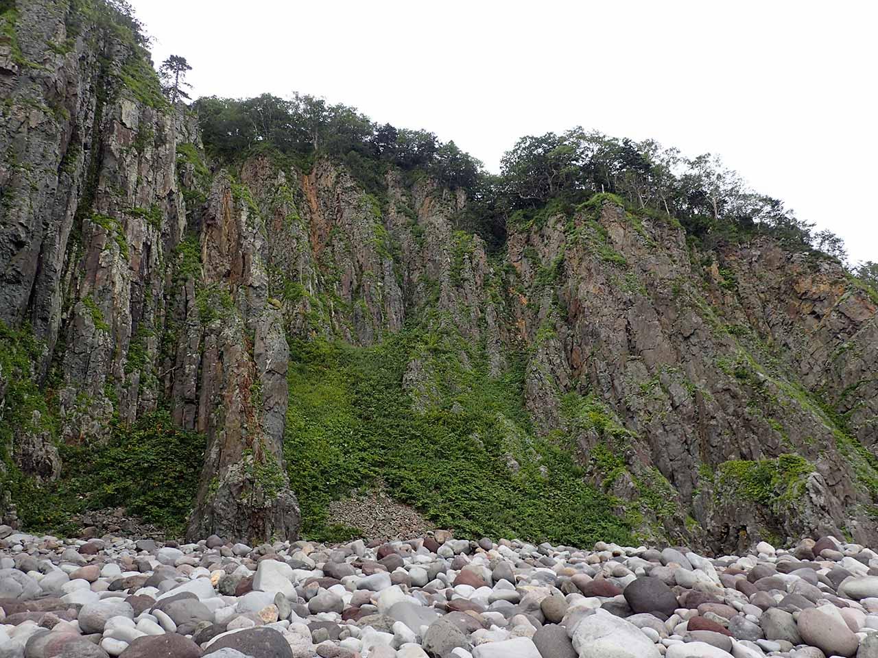 知床岬 知床先端部 海岸線 崖