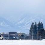雪は日高山脈に降り 北海道十勝はすべて事もなし