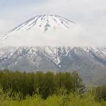 羊蹄山 日本百名山の独立峰と瑞穂の土地